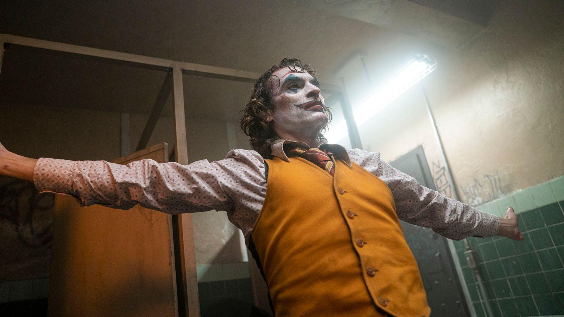 《小丑》(Joker, 2019):你笑,全世界不跟著你笑
